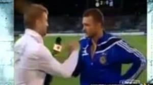 """Andriy Shevchenko """"scippa"""" un giornalista a bordo campo (VIDEO)"""
