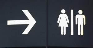 Sesso in aeroporto per… noia: aereo in ritardo, inganniamo il tempo