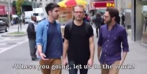 Donna molestata per strada a New York, il video parodia di Funny Or Die