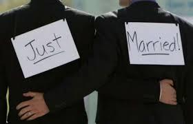 """Nozze gay, Anci: """"Decidono i sindaci, non lo Stato"""". Pubblici ufficiali di chi?"""