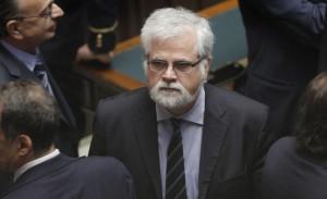 M5S. Rabbia e insulti contro l'ex Orellana che vota il Def e salva Renzi