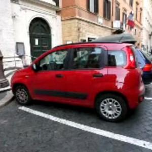 """Roma: Marino e il parcheggio al Senato, vicino casa sua. """"Privilegio incomprensibile"""""""