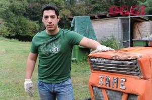 """Renzo bossi si è dato all'agricoltura: """"Meglio della politica"""""""
