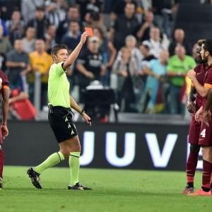 """Gianluca Rocchi, sms ironici dopo Juve-Roma: """"Che amici, i primi a sostenermi"""""""