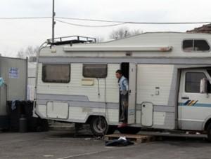 """Borgaro. Giunta di sinistra, doppio bus 69: uno per i rom, l'altro per i """"normali"""""""