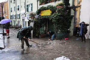 Alluvione Genova: allerta fino alle 12, due bombe d'acqua nella notte