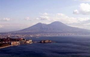 """Vesuvio, l'allarme del vulcanologo: """"Se erutta sarà una catastrofe"""""""