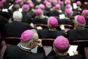 Gay e divorziati, scontro al Sinodo tra vescovi e cardinali