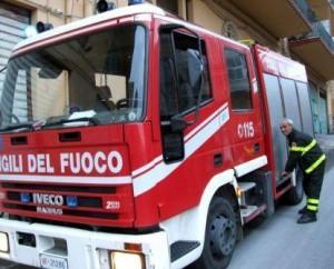 Solopaca (Benevento): brucia casa, salvati donna di 80 anni e uomo di 78