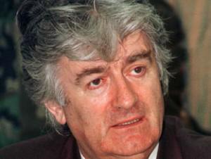 """Lo show di Karadzic """"Voi non accusate me ma tutto il popolo serbo"""""""