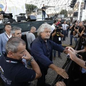 """Beppe Grillo: """"Domani a Genova con parlamentari M5s"""""""