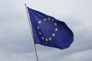 I doppi stipendi degli eurodeputati. Luigi Offeddu, Corriere della Sera