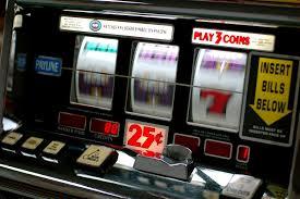 Spunta una supertassa sulle slot machine. Roberto Petrini, Repubblica