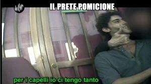 """Le Iene, Giulio Golia """"il prete pomicione"""" VIDEO"""