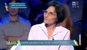 """La """"sensitiva"""" Cinzia, ospite de La vita in diretta"""