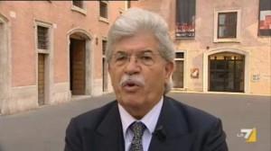 """""""Antonio Razzi all'Isola dei famosi, l'ultimo sfregio al Parlamento"""", Belpietro su Libero"""