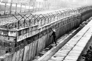 Berlino, 9 novembre 1989: cade il Muro, comunismo iniziò lenta agonia