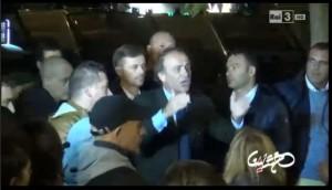 Tor Sapienza: Gazebo pizzica Andrea Ronchi fra i contestatori di Marino