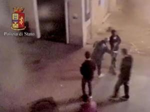 Pisa, Zakir Hossain in un momento dell'aggressione
