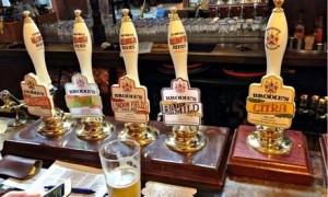 Gb, Camera dice sì a liberalizzazione vendita birra: azioni dei pub crollano...