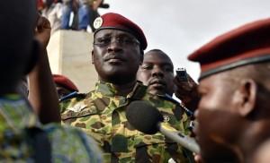 Burkina Faso: esercito spara e seda piazza. Colonnello Zida sulle orme di Sankara
