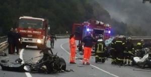 Reggio Calabria, schianto sulla Jonio-Tirreno: 6 morti