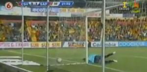 Costa Rica, Esteban Ramirez segna il gol del mese: che tiro al volo (VIDEO)