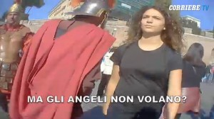 """Ragazza passeggia a Roma. """"Ciaobbella"""" e """"ammore"""": approcci come New York VIDEO"""
