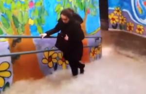 Maltempo Milano, stazione Garibaldi allagata: cascate d'acqua sulle scale VIDEO