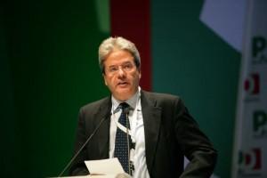 """Paolo Gentiloni ministro degli Esteri: """"Le prime telefonate ai marò"""""""