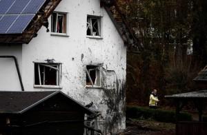 """Germania, lite in famiglia: padre """"kamikaze"""" si fa esplodere davanti casa"""