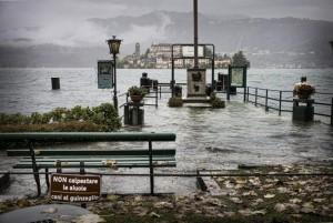 Lago Maggiore e d'Orta esondano: 100 famiglie sfollate. E sabato ancora piogge