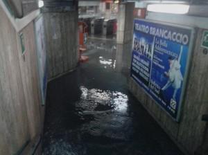 Maltempo da nord a sud: bomba d'acqua a Roma, fiumi monitorati in Friuli