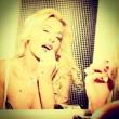 Valeria Marini, scatti sexy dedicati ai suoi follower su Facebook 04