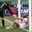 Gillet consola Andrea Masiello dopo l'autogol dello 0-2 in Bari-Lecce del 15 maggio 2011