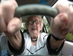 """Audi a 172km/h su A4. A polizia: """"Guidava mia nonna"""". Che è ricoverata..."""