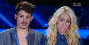 """X-Factor 8, Komminuet cantano """"Je t'aime moi non plus"""" poi si baciano"""