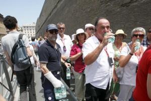 Roma, la truffa dei promoter turistici: inchiesta sui salta-fila per i musei