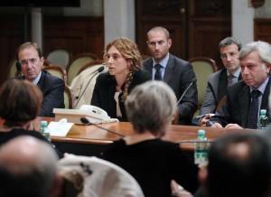 """Statali, Marianna Madia: """"Contratti sbloccati nel 2016"""". Cgil: """"No risposte"""""""
