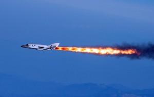 """SpaceShipTwo: """"Schianto annunciato, rischi ignorati"""". Prime defezioni vip"""