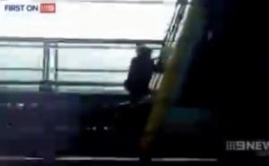 Trainsurfing, aggrappati a treni in corsa: nuova moda in Australia VIDEO
