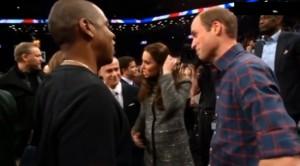 LeBron James rompe il protocollo: abbraccia Kate Middleton VIDEO