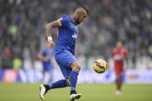 Arturo Vidal video gol in Cagliari-Juventus: rete da fuoriclasse assoluto