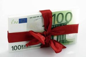 Tredicesima se andrà in tasse e mutui. Solo 26% la userà per regali di Natale