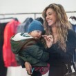 Belen e Ceclia Rodriguez, shopping con Santiago10