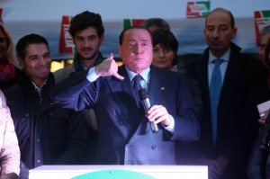"""Berlusconi e Micromega uniti nel No Euro: """"Facciamo una moneta parallela"""""""