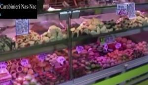 Natale, 60 tonnellate di formaggi e dolciumi avariati VIDEO