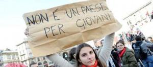"""""""Italia liquefatta umilia i giovani"""". Rapporto Censis: famiglie a consumo zero"""