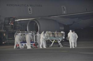 """Ebola, lettera del medico italiano: """"Non sono un eroe ma un soldato ferito"""""""