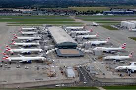 Londra, chiuso spazio aereo. Blackout al centro di controllo